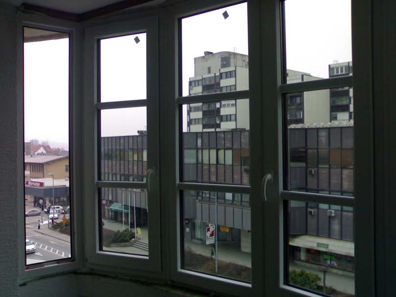 lesena okna KBK DOM, trgovina, svetovanje in inženiring d.o.o.